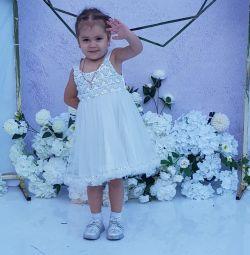Φόρεμα για ένα κορίτσι 3 χρόνια