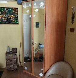 Dulap de colț cu oglinzi
