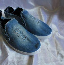 Spor ayakkabı kot