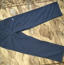 Pantaloni sport noi. Decathlon dimensiune M-L înălțime 164-170
