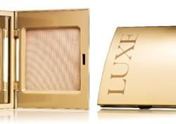 Compact powder LUX from Avon