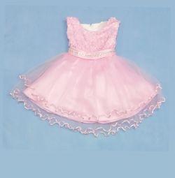 Новое, нарядное платье (подкладка из хлопка)