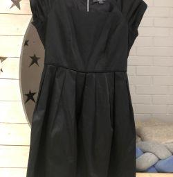 Φόρεμα από σατέν