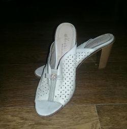 Γυναικεία παπούτσια (σαγιονάρες)