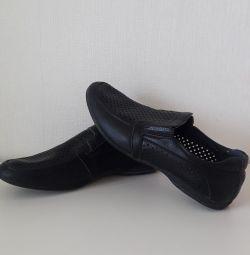 Pantofi pentru școală 40 r
