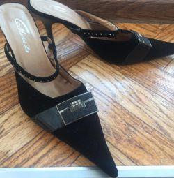 Туфлі-босоніжки