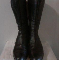 URGENT! VINDEM cizme de iarna pentru femei!