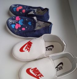 Slip-ons for girls 28p