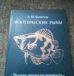Encyclopedia of exotic fish for the aquarium.