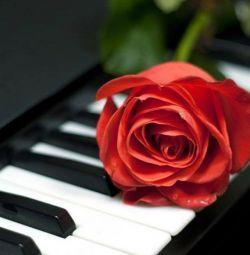 Piyano ve solfej çalmak için çocuklara öğretmek