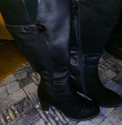 Deri çizme, doğal kürk.