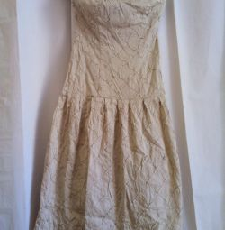 Φόρεμα το μπουφάν