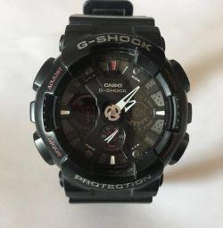 Casio g-şok ga-120 siyah ve kırmızı
