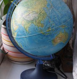 Глобус с подсветкой физико-политический