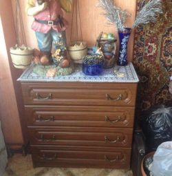 Urgent dresser!