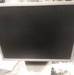 SAMSUNG Syncmaster 152x Monitor