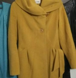 Coat cashmere in excellent condition.