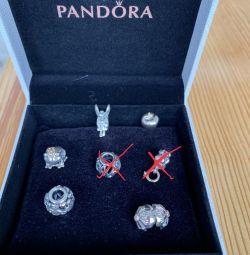 Pandora farmecă