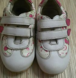 sneakers 22 size