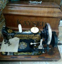 Masina de cusut manual Kayser de lucru vechi