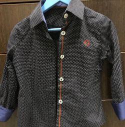 Κομψό πουκάμισο για το αγόρι.
