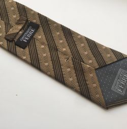 GFerre tie