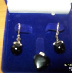 Black agate earrings and pendant