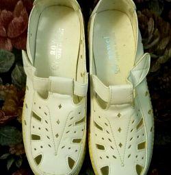 Туфлі жіночі нові р. 38 взуття доросла
