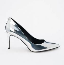Παπούτσια DKNY. Νέα. ΡΡ 6-9.5