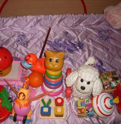 Jucarii pentru jocuri si dezvoltare de bebelusi