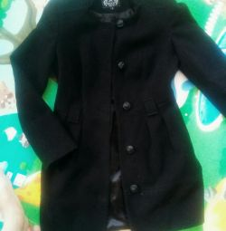 Paltonul demi-sezon negru