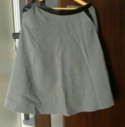 Φούστα με τσέπες