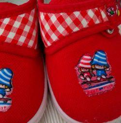 🔤 Pantofi