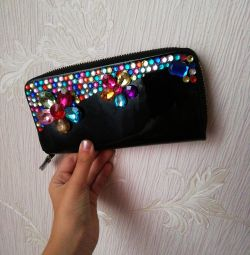 Women's wallet. Lacquered