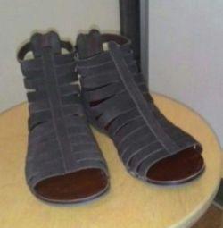 Нові сандалі Vagabond