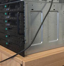 Διακομιστής: Μοντέρνος διακομιστής Intel