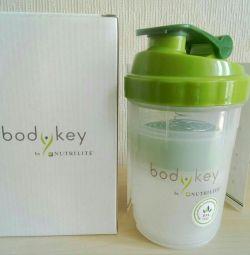 Amway Shaker