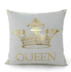 King & Queen decorative pillowcase (included)