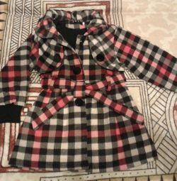 Вовняне пальто для дівчаток.