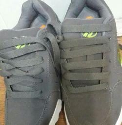Hilis Roller Sneakers