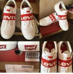 Ανδρικά παπούτσια LEVIS