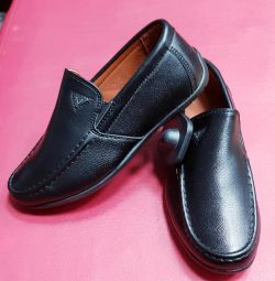 School shoes for boys