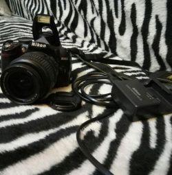 Nikon D3000 este un excelent DSLR