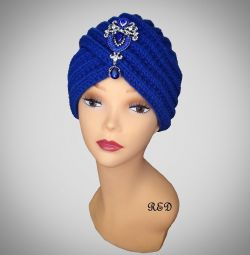 Turban with cornflower brooch