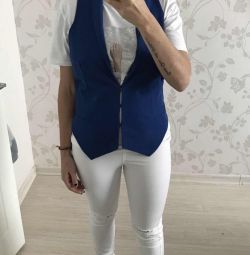 New electric blue electric vest 44/46