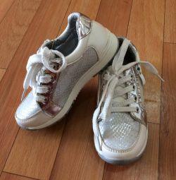 Sneakers 27 (17.5)
