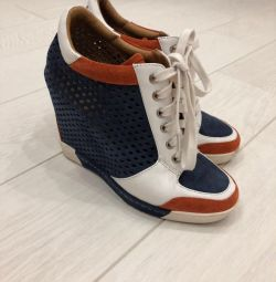Women's shoes sneakers