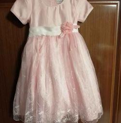 Kız için elbise 92-104