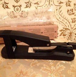 новый степлер Erich Krause 70л черный
