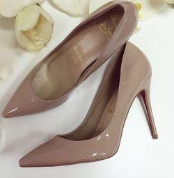 Туфлі-човники з натуральної шкіри